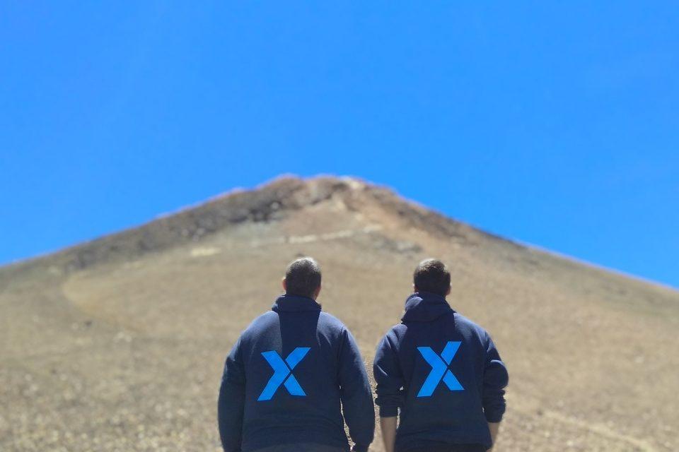 TGX equipo
